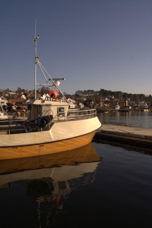 boat brew sea