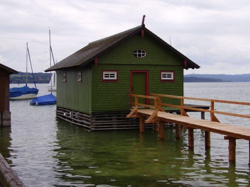 boat house ammersee water
