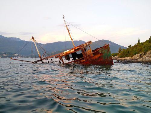 laivo nuolaužos,rūdys,nuolaužos,Boka,adrijos regionas,herceg novi,montenegro