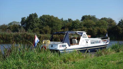 boating holiday boating holidays