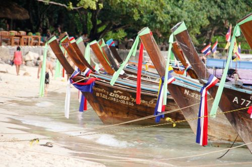 boats jewellery colorful