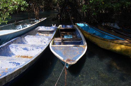 boats travel laguna