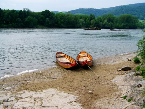 boats clause danube