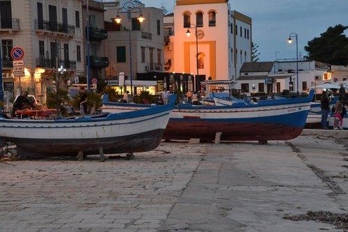 boats  sea  sicily