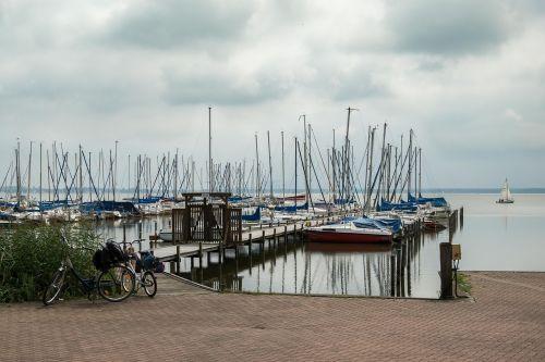 boats lake kai