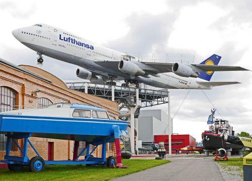 boeing 747 jumbo jet museum