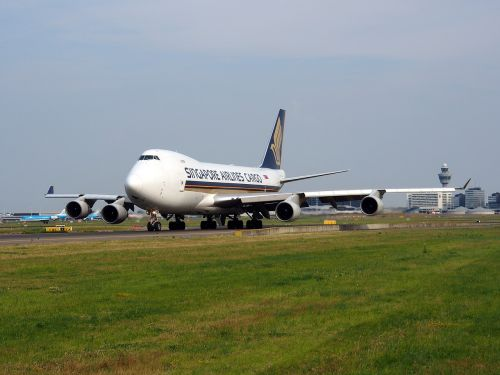 boeing 747 jumbo jet singapore airlines