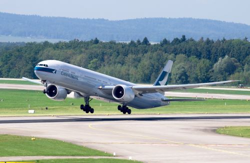 boeing 777 cathay pacific airport zurich