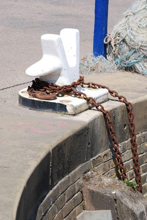 bollard mooring harbor
