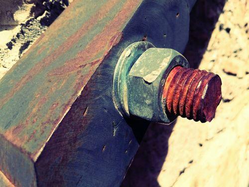 bolt rust zinc