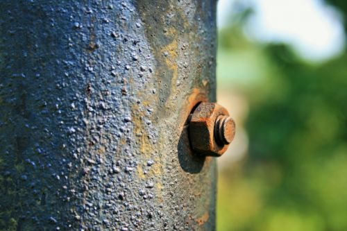 Bolt In Pole