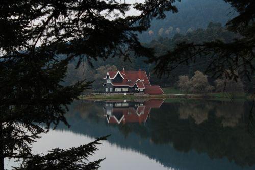 bolu,abant,tvenkinys,gamta,balta,atspindys,miškas,juoda,medis,ežero namas,kraštovaizdis,ežeras,Turkija,kraštovaizdžio gamta,kanonas,650d,natūralus kalakutas,kraštovaizdžio gamta,ruduo,kalnas,doga