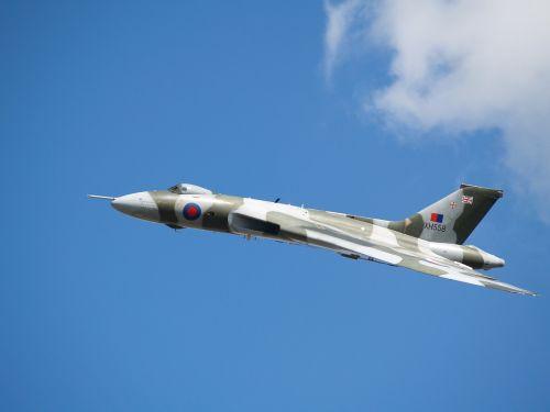 bomber vulcan aircraft