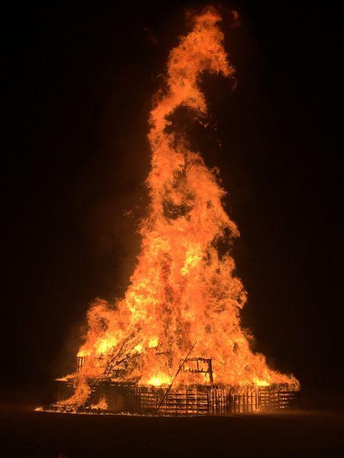 bonfire homecoming sheboygan