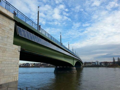 bonn bridge solar panels