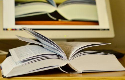 knyga,skaityti,ekranas,vaizdo redagavimas,puslapiai,knygų puslapiai,popierius,literatūra,stalas