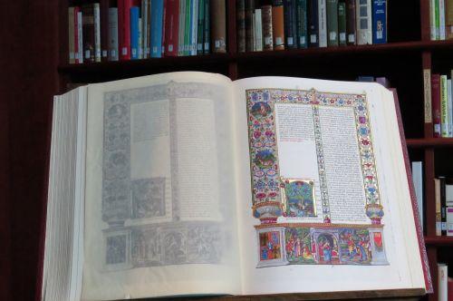 knyga,kaligrafija,dizainas,puslapis,dekoratyvinis,tekstas,kaligrafija,ornate,Senovinis,popierius,dokumentas,vintage,apdaila,elegantiškas