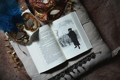 book mask venice