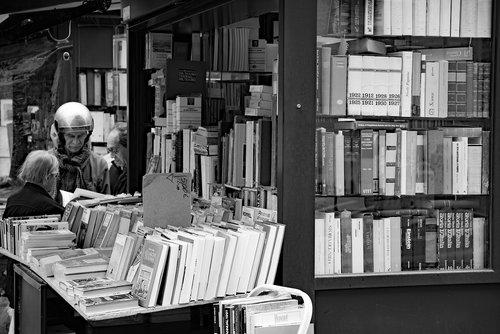 book  kiosk  store