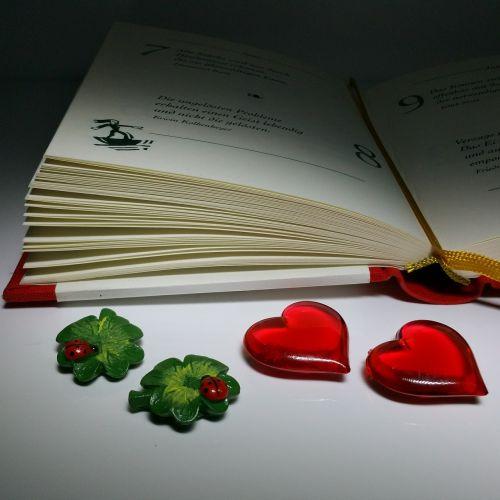 knyga,sėkmė,meilė,širdis