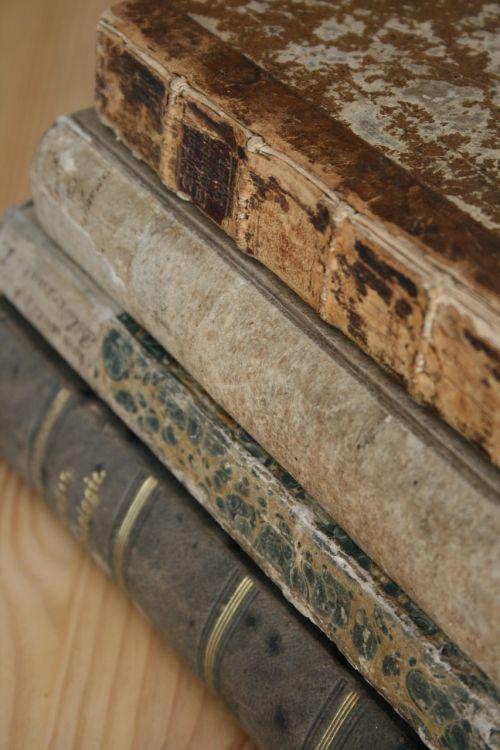 book stack antiquariat old books