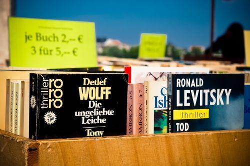 books sale close