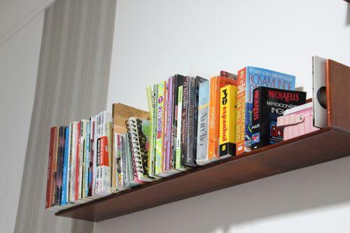 bookshelf books organization