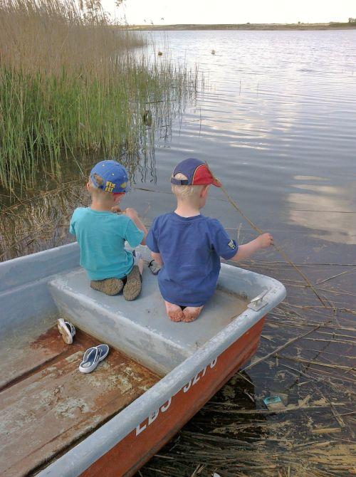 children boot lake