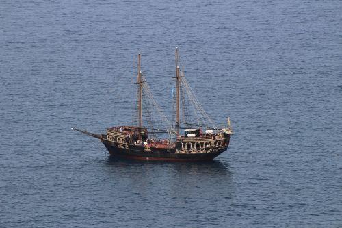 boot pirates summer