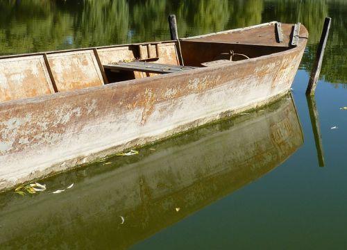 boot lake autumn mood