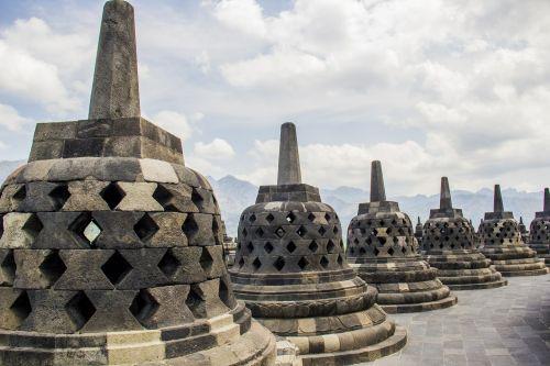 borobudur candi stupa