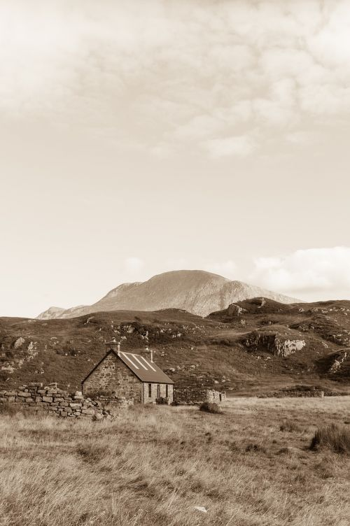 bothy hut off the grid