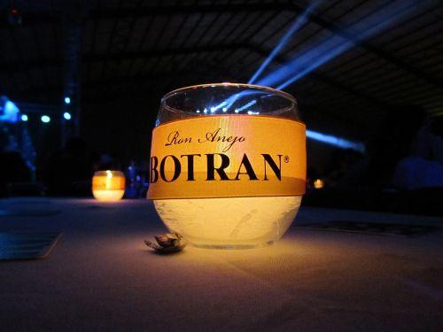 botran party night