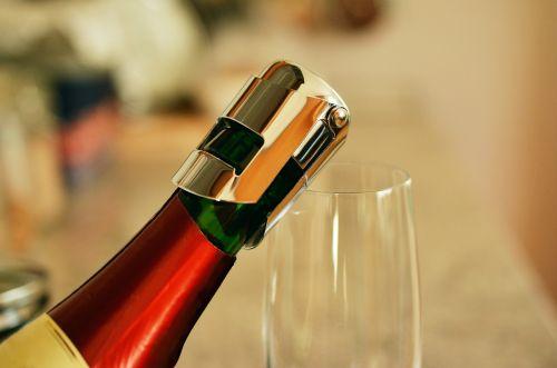 bottle of sparkling wine bottleneck closure