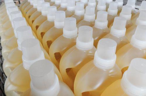 buteliai,ąsočiai,skystas ploviklis,chemija,prekė,gamybos kontraktas