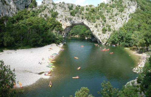 bow bridge ardèche canoe