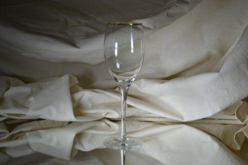 bowl wine empty