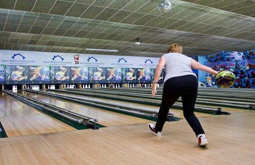 bowler  style tenpin  alley