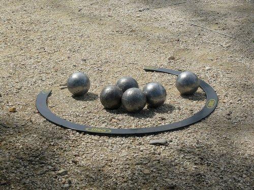 bowling  bowls  provencal game
