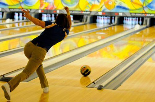 bowling bowler pins
