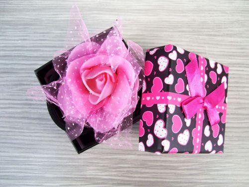 box rose gift