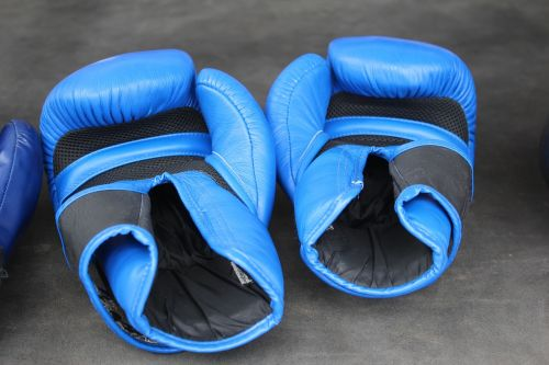 box boxing gloves boxing