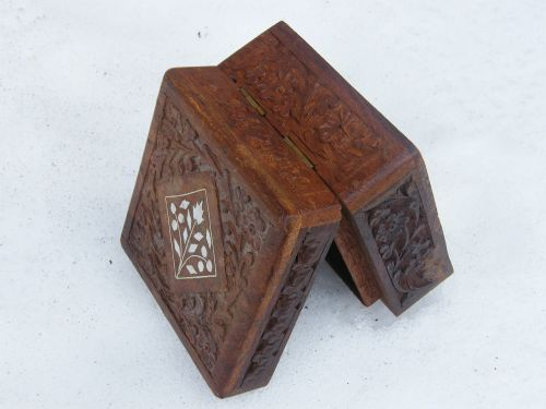 box brown carved