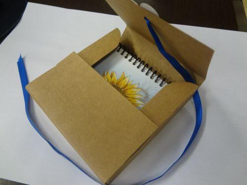 dėžė,kartonas,nulio padas,kartono rankovė,mimozos juosta