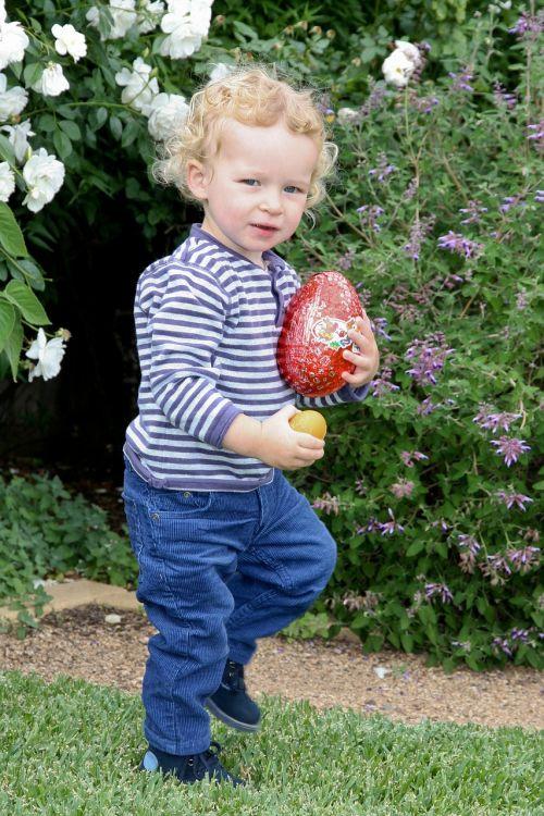 berniukas,berniukas,saldus,berniukas,Velykos,Velykinis kiaušinis