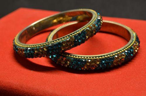 bracelets bangles valuables