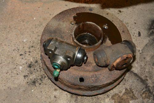 brake drum old new brake cylinder