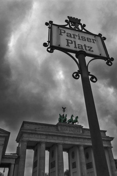 brandenburg gate  paris burst  berlin