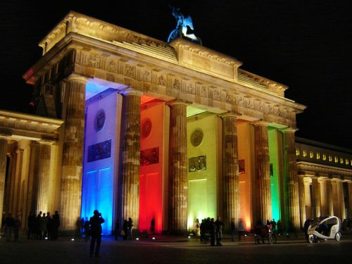brandenburg gate berlin at night berlin