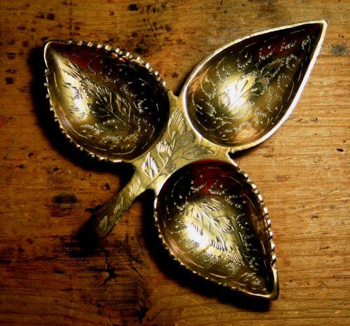 Brass Trident Leaf Ornament